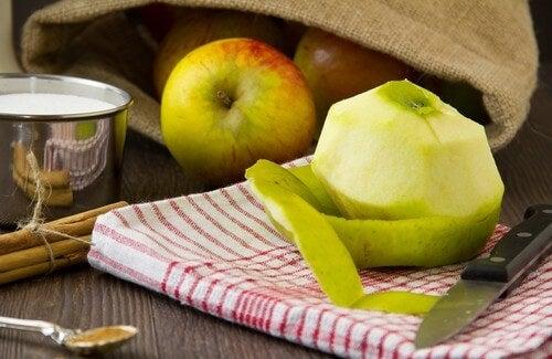 Elma Kabukları Kilo Vermeye Yardım Eder