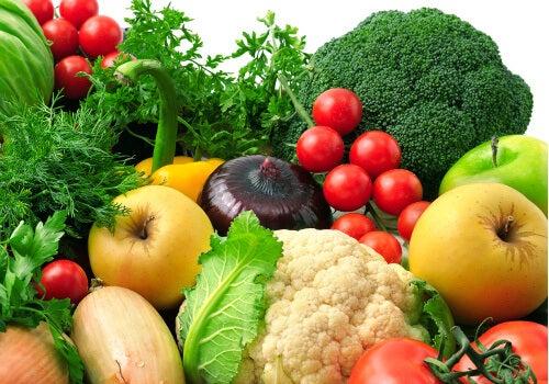 Günlük olarak sebze ve meyve yemek ruh halinizi iyileştirmenin yanı sıra vücudunuzu da kayda değer bir şekilde iyileştirir.