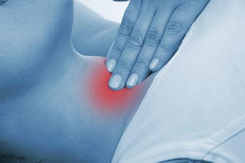 boyun tiroiditis ağrı