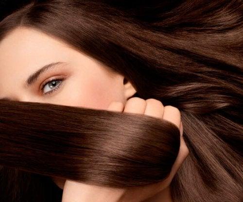 Doğal Malzemelerle Ev Yapımı Saç Kremi Tarifleri