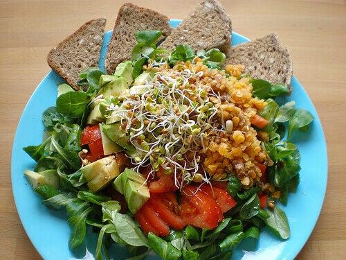 kilo vermeye yardımcı salata