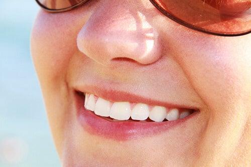 sağlıklı dişler için yeşil elma