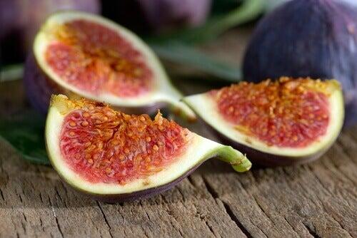 Meyveler: En İyi Doğal İdrar Söktürücüler