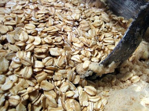 oatmeal-MGFLady-Disdain tr