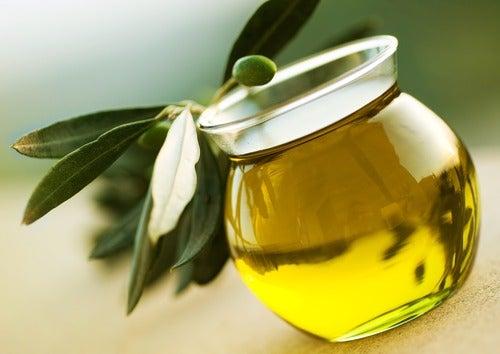 Sıvı Altın: Zeytinyağı ile Ev Yapımı Tedaviler