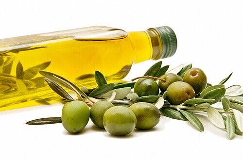 diyetinize-zeytinyağı-katmanın-faydaları