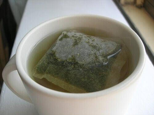 yeşil çay ile karaciğerinizi temizleyin