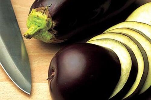 Patlıcan Suyu ile Göbek Yağlarına Elveda