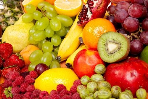 çeşitli meyveler