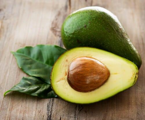 karaciğeri temizleyen yiyecekler ve avokado