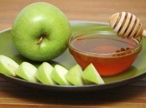 elma ve bal maskesi