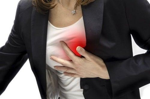 Bilmeniz Gereken Göğüs Ağrısı Türleri