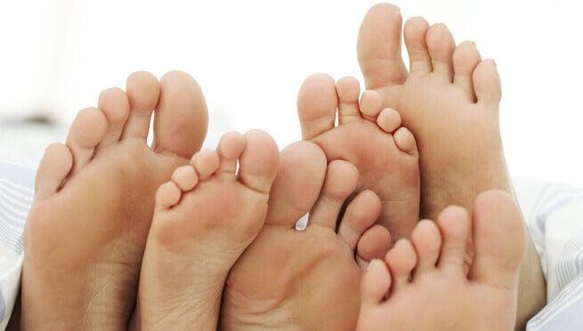 feet-11
