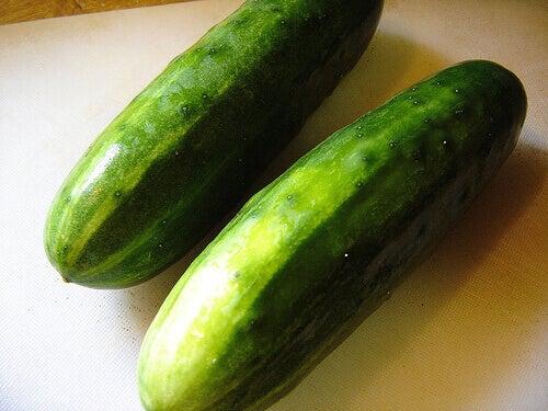 iki tane salatalık