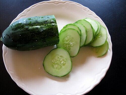 dilimlenmiş salatalık