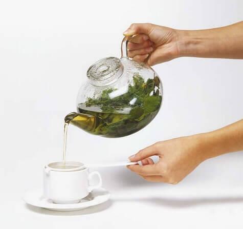 cam demlikte bitki çayı