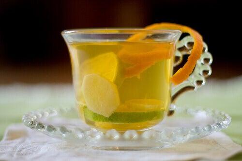 bir fincan limonlu zencefil çayı