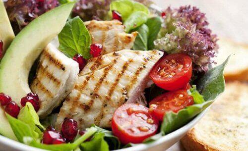 tavuk salatası diyet