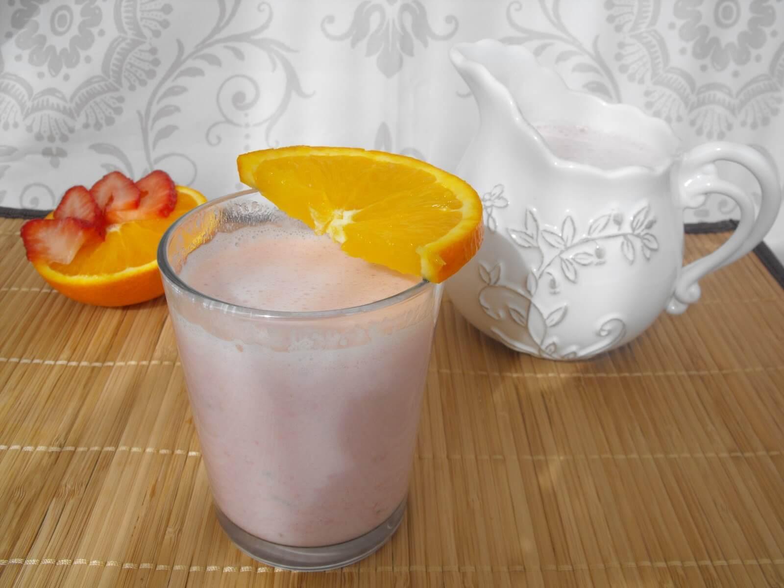 çilekli portakallı smoothie
