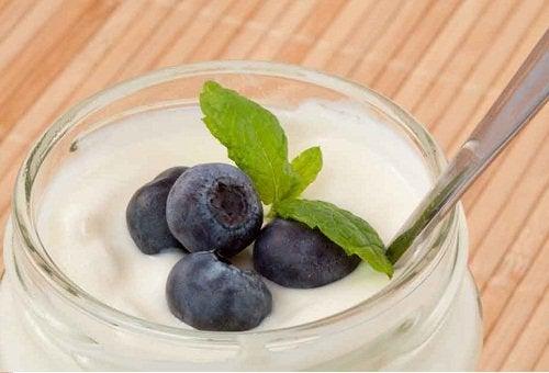 meyveli yoğurt