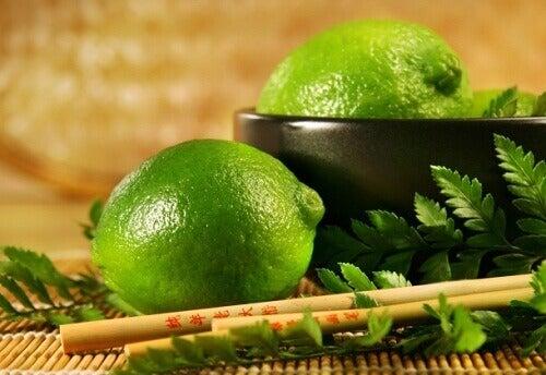 Lime-yaprağı-çayı