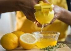 Vücudunuzu-arındırmak-için-limon