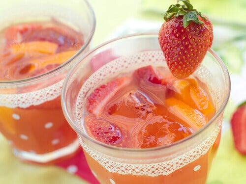 çilek meyve suyu