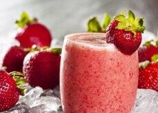 Yulaf-çilek-smoothie