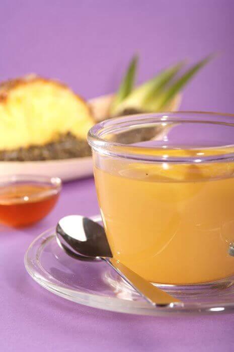 ananas ile tıbbi çay hazırlamak
