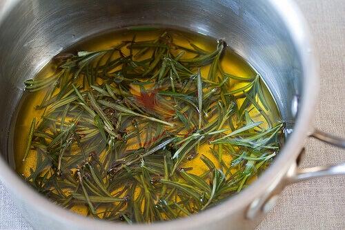 balla tatlandırılmış biberiye çayı