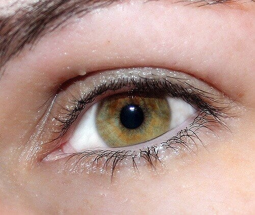 Doğal Yoldan Işıltılı Gözlerin Sırrı