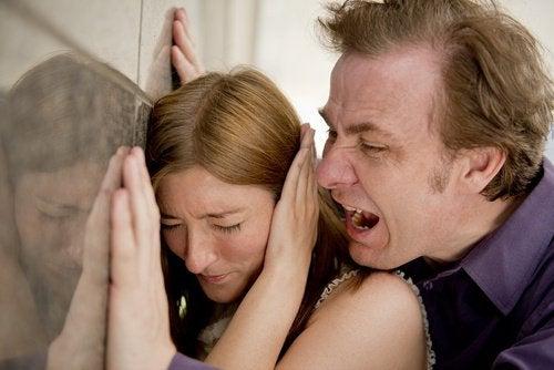 İlişki İçinde İzin Vermemeniz Gereken 5 Şey