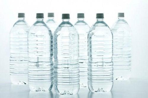 pet şişeden su içmek