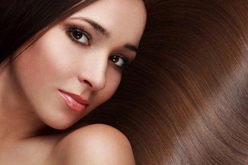 Daha Sağlıklı ve Güzel Saçlar için 8 İpucu