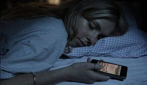 telefonla uyumak 4