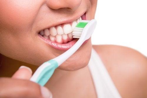 diş fırçalamak 5