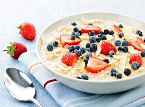 kahvaltıda-yulaf-ezmesi