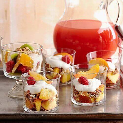 meyveli yoğurt ve donmuş limon