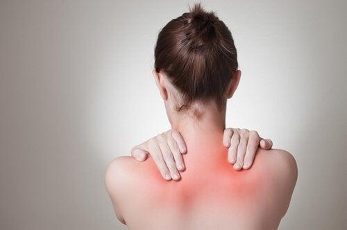 kadın omzu iltihap