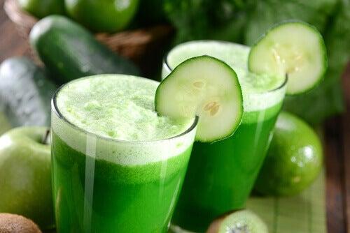 yüksek kolesterol için salatalık suyu