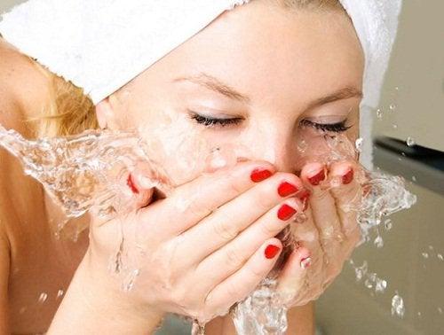 yüz yıkama 3