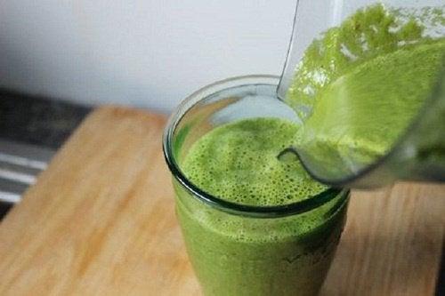 yeşil smoothie 1