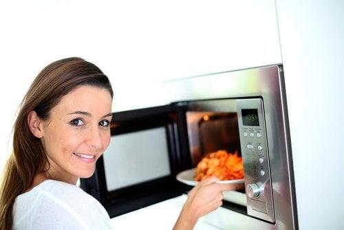 yiyecekleri-yeniden-ısıtmak