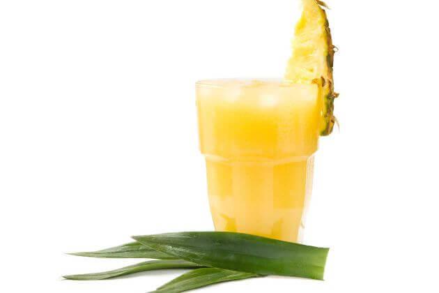 aloe vera ve ananaslı içecek