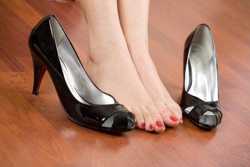 Ayak Ağrısı İle Bu Basit Kurallarla Mücadele Edin