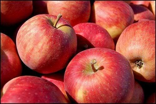 kırmızı-elma