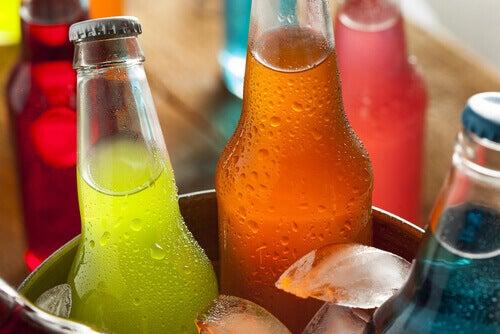 çeşitli gazlı içecekler