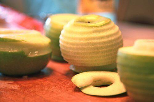 soyulmuş elma