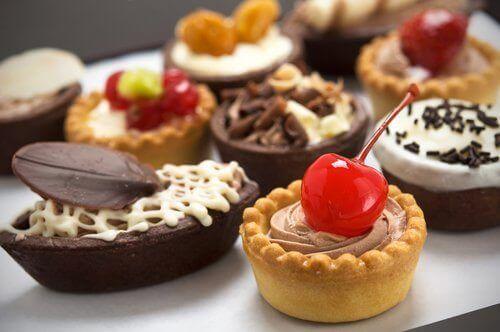 çeşitli tatlılar