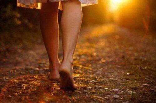 toprakta yürüyüş